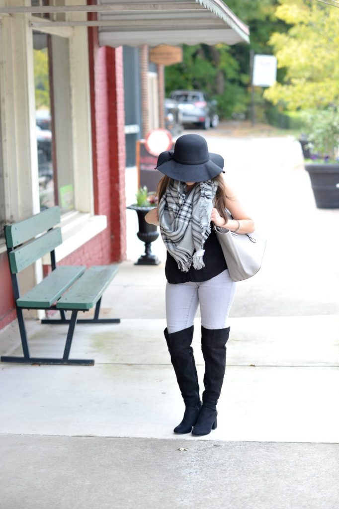 GRAY AND BLACK FALL OUTFIT